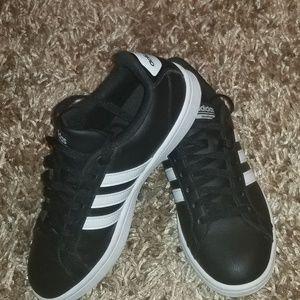 Adidas womens size 8